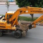 Аренда колесного экскаватора Hyundai в Москве